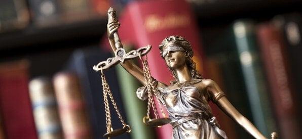 Statue Gerechtigkeit und Seriosität